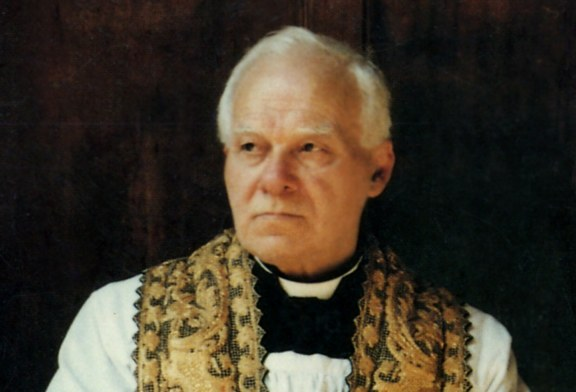 Una mostra fotografica per ricordare Don Carlo Lauri