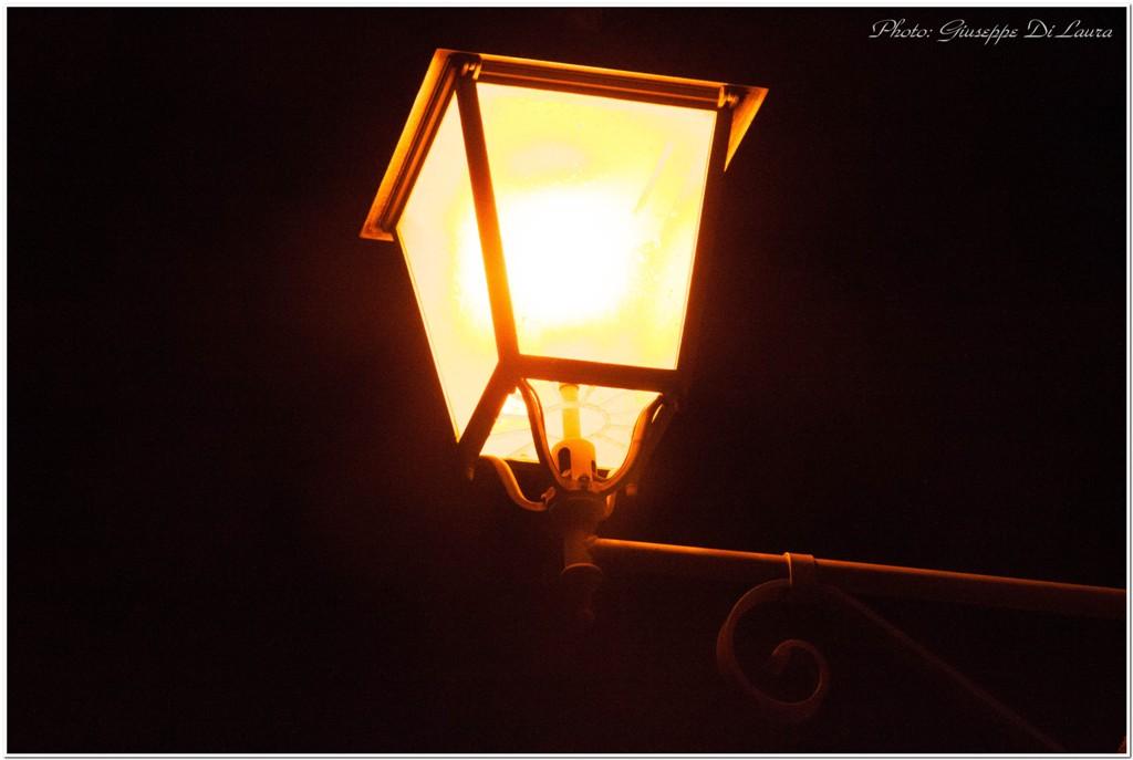 Via De Vigilia al buio, l'illuminazione pubblica non funziona