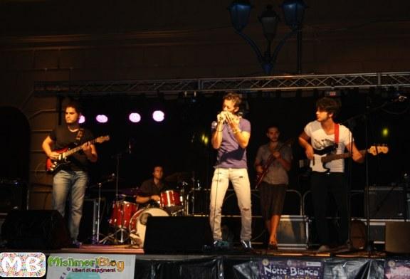 Domenica in piazza Cabaret e il concerto dei Malatempora