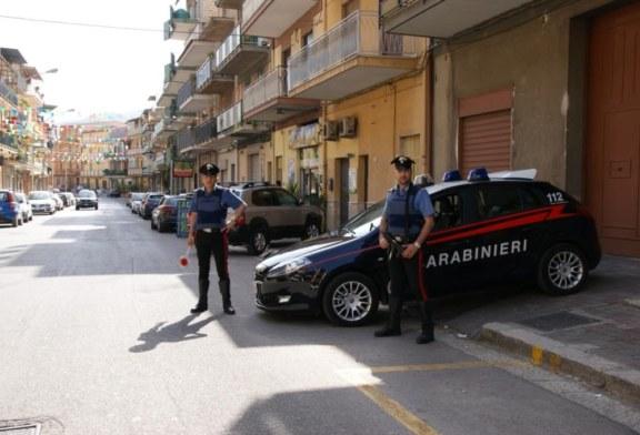 Abitazione in fiamme, i Carabinieri portano in salvo nucleo familiare