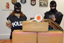 Trasportavano un quintale di hashish, arrestati due residenti a Misilmeri