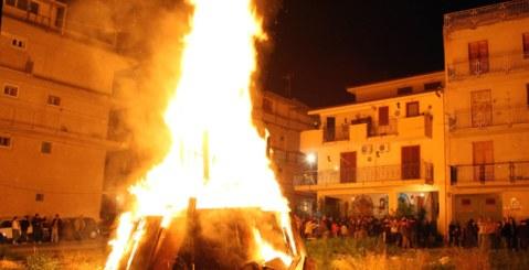 """Domani la tradizionale """"Vampa di San Giuseppe"""" a Costa Principe"""