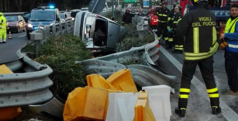 Incidente sulla PA-CT, misilmerese sfonda guardrail. E' Grave