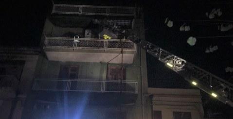 Paura nel centro di Misilmeri, appartamento in fiamme