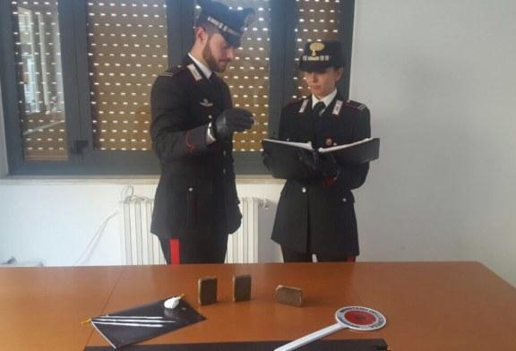 Sorpreso con oltre 100 grammi di hashish, i carabinieri arrestano 45enne