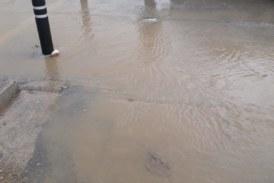 Acqua e fango davanti la scuola Mons. Romano