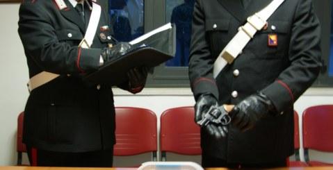 Arrestati due fratelli, uno per estorsione l'altro per detenzione di stupefacenti e armi