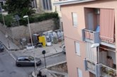 Deposito di via Longo: Rifiuti e caos
